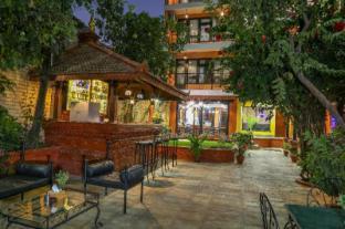 /taleju-boutique-hotel/hotel/kathmandu-np.html?asq=vrkGgIUsL%2bbahMd1T3QaFc8vtOD6pz9C2Mlrix6aGww%3d