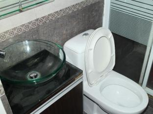 Comfort Lodge Hong Kong - Glass Sink