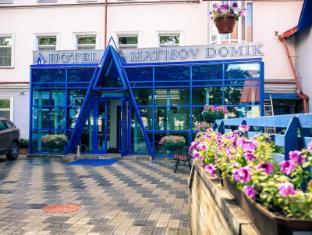 /matisov-domik/hotel/saint-petersburg-ru.html?asq=GzqUV4wLlkPaKVYTY1gfioBsBV8HF1ua40ZAYPUqHSahVDg1xN4Pdq5am4v%2fkwxg