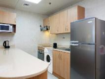Avari Barsha Hotel Apartments: kitchen