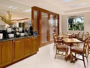 /baymont-inn-suites-miami-airport-west/hotel/miami-fl-us.html?asq=5VS4rPxIcpCoBEKGzfKvtBRhyPmehrph%2bgkt1T159fjNrXDlbKdjXCz25qsfVmYT