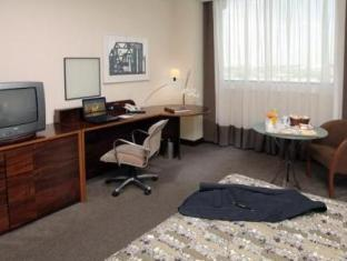 Caesar Business Sao Paulo International Airport Hotel Гуарулхос - Вітальня