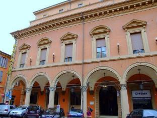 /hotel-palace/hotel/bologna-it.html?asq=jGXBHFvRg5Z51Emf%2fbXG4w%3d%3d