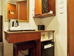 Oriental Lander Hotel Hong Kong - Hotellihuone