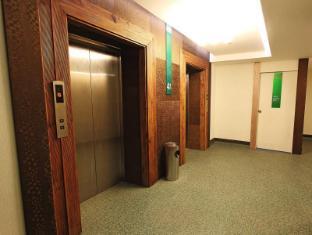 Eurotel North Edsa Hotel Manila - Elevator