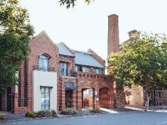 Majestic Old Lion Apartments Australia