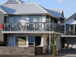 /the-victoria-apartments/hotel/port-fairy-au.html?asq=jGXBHFvRg5Z51Emf%2fbXG4w%3d%3d