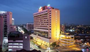/bayview-hotel-melaka/hotel/malacca-my.html?asq=GzqUV4wLlkPaKVYTY1gfioBsBV8HF1ua40ZAYPUqHSahVDg1xN4Pdq5am4v%2fkwxg