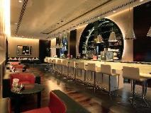 Centro Yas Island Hotel: pub/lounge