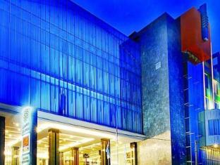 /es-es/golden-flower-hotel/hotel/bandung-id.html?asq=jGXBHFvRg5Z51Emf%2fbXG4w%3d%3d