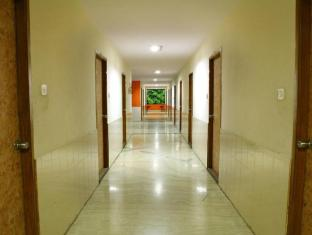 Suriya International Hotel Chennai - Hall Way