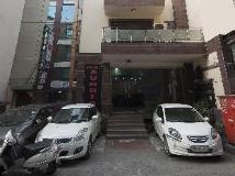 Hotel Sunrise: entrance