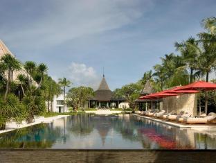 The Royal Santrian Luxury Beach Villas Bali - Infinity Pool