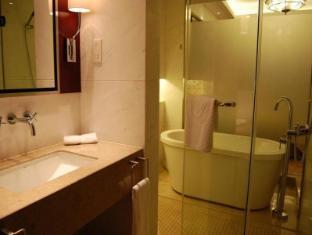 Oriental Bund Hotel Shanghai - Guest Room