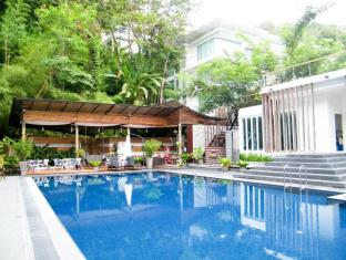 The Trees Club Resort Phuket - Uima-allas