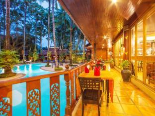 Royal Phawadee Village Patong Beach Hotel פוקט - בית המלון מבפנים