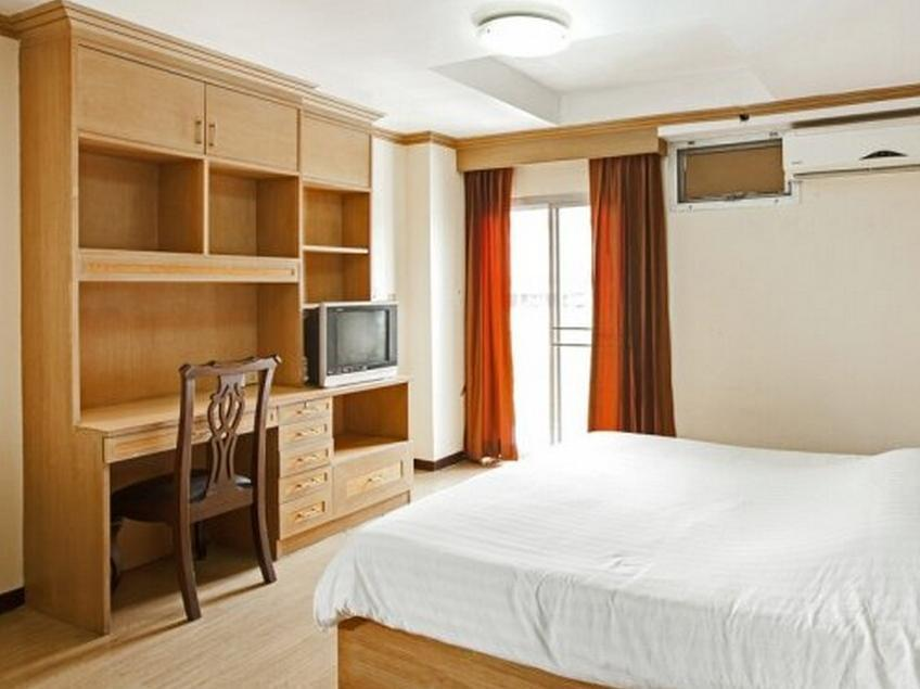 aiya residence & sport club bts hotel