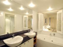 Mantra Broadbeach on the Park Hotel: guest room