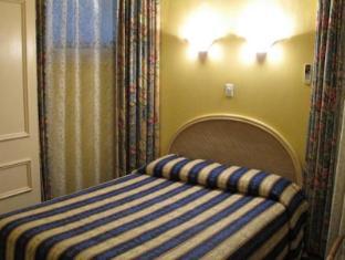 Albert & Victoria Court Hotel Sydney - Economy Room