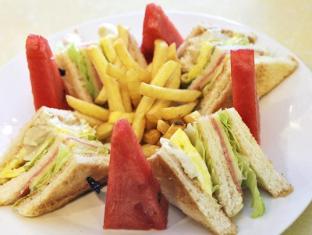 Fersal Hotel Annapolis, Cubao Manila - Club Sandwich