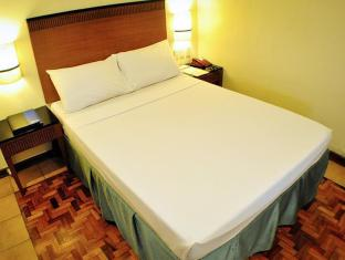 Fersal Hotel Annapolis, Cubao Manila - Deluxe Queen with Breakfast and Wi-Fi