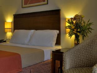 Fersal Hotel Neptune Makati Manila - Premium Deluxe