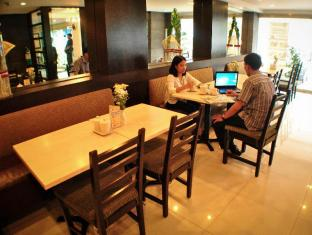 Fersal Hotel Neptune Makati Manila - Coffee Shop/Cafe