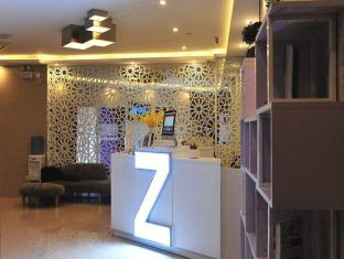 Zhotels Shanghai East China Normal University Caoyang Road Metro Station Branch