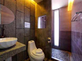 Surintra Resort Phuket - Grand View Deluxe Terrace - Bathroom
