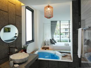 Surintra Resort Phuket - Kamar Mandi