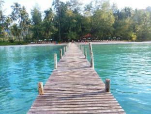 /th-th/ko-kut-ao-phrao-beach-resort/hotel/koh-kood-th.html?asq=CQJxCrktd2AVOkls1dmTNsKJQ38fcGfCGq8dlVHM674%3d