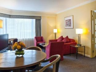Hotel Grand Chancellor Adelaide on Hindley Adelaide - 1 Bedroom Suite