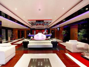 Absolute Bangla Suites Hotel Phuket - Lobby