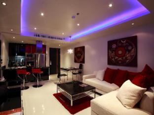Absolute Bangla Suites Hotel Phuket - Pokoj pro hosty