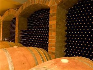 LovanE Boutique Wine Estate and Guest House Stellenbosch - LovanE Wine Cellar
