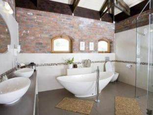 LovanE Boutique Wine Estate and Guest House Stellenbosch - Kylpyhuone