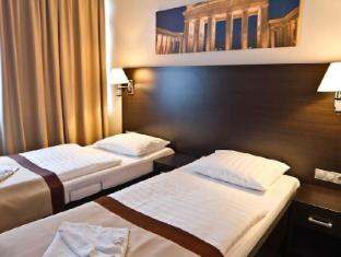 Ivbergs Hotel Premium Berliini - Hotellihuone