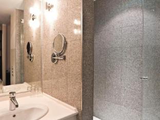 Ivbergs Hotel Premium Berliini - Kylpyhuone
