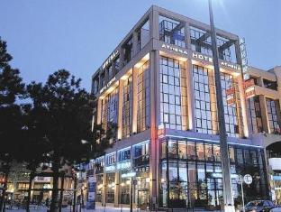 /hotel-athena-part-dieu/hotel/lyon-fr.html?asq=jGXBHFvRg5Z51Emf%2fbXG4w%3d%3d