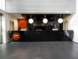 Axor Feria Hotel Madrid - Front desk