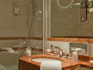 Le Regent Hotel Paris - Bathroom