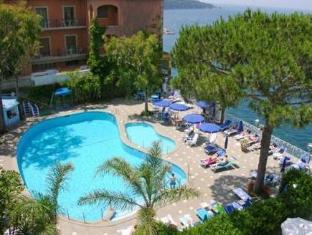 /fi-fi/grand-hotel-riviera/hotel/sorrento-it.html?asq=jGXBHFvRg5Z51Emf%2fbXG4w%3d%3d