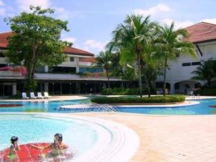 Orchid Country Club Hotel Singapore - Swimming Pool