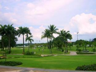 Orchid Country Club Hotel Singapore - Golf Course