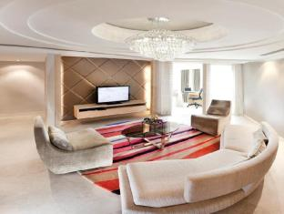 Dorsett Grand Subang Hotel Kuala Lumpur - Executive Suite Living Area