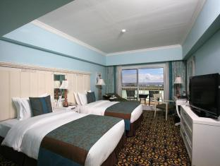 JPark Island Resort and Waterpark Cebu - Deluxe Room