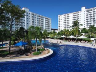 JPark Island Resort and Waterpark Cebu - Swimming Pool