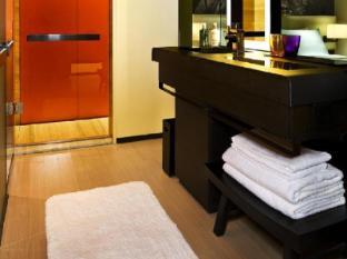 East Hotel Hong Kong - Bathroom