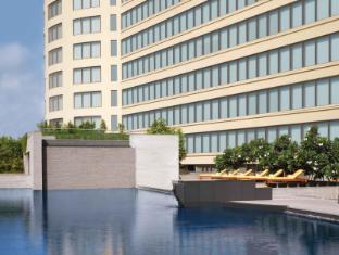 โรงแรมไทรเด้นท์ บันดรา คูร์ลา มุมไบ - สระว่ายน้ำ
