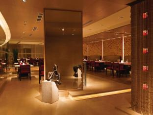 โรงแรมไทรเด้นท์ บันดรา คูร์ลา มุมไบ - ภัตตาคาร